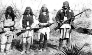 Bela Diri Pisau Suku Apache